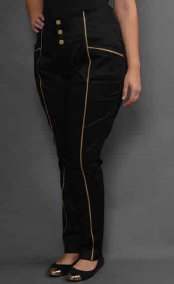 A moda plus size em alfaiataria é a melhor opção de roupas para as mulheres gordinhas (Foto: Divulgação)