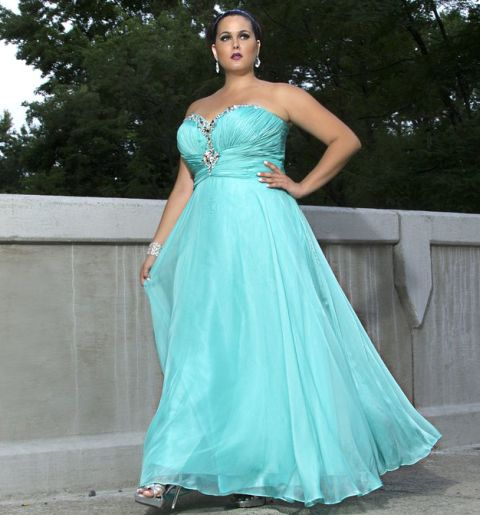 pics of plus size attire