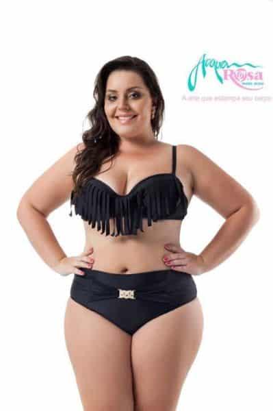 É preciso escolher com cuidado os modelos de biquíni de franja para gordinhas (Foto: a cquarosanet.com.br)