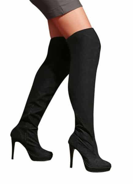Os looks de vestidos com bota para gordinhas são modernos e estilosos (Foto: posthaus.com.br) 99,99
