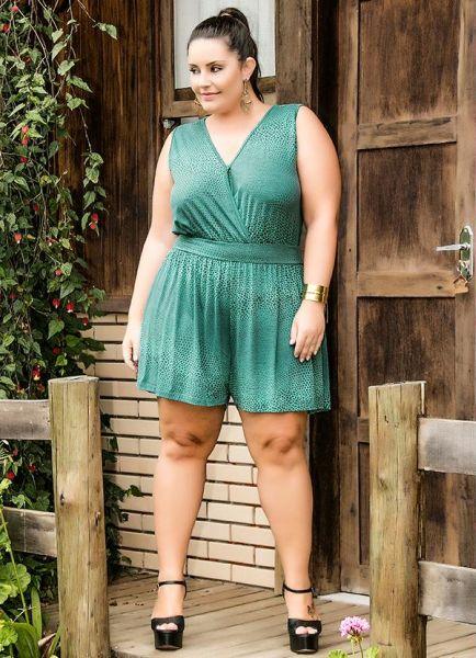 Há muitos modelos de macaquinhos larguinhos para gordinhas nesta temporada fashion, escolha o seu preferido (Foto: posthaus.com.br) 99,90
