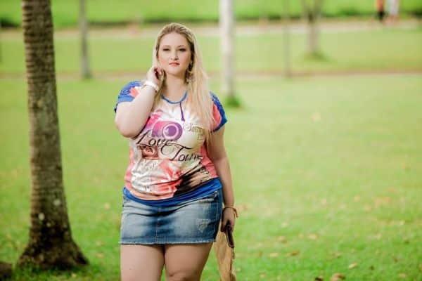 As tendências para o verão 2016 para gordinhas estão divertidíssimas e lindas (Foto: fwps.com.br)