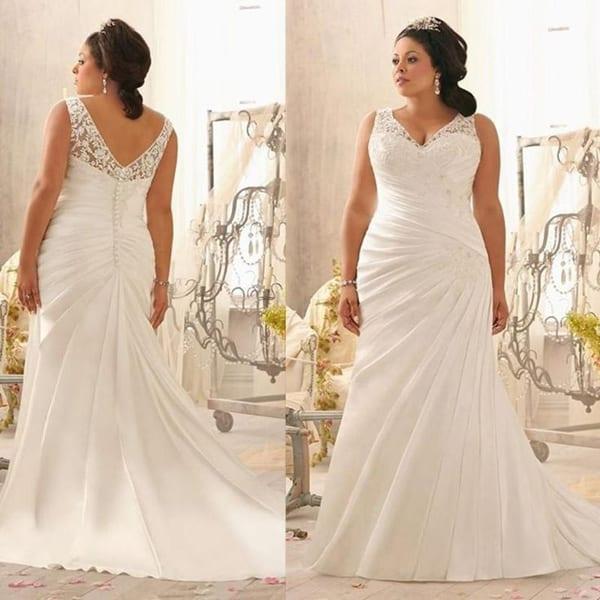 vestido plus size de noiva reto