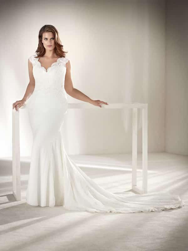 vestido plus size de noiva em v