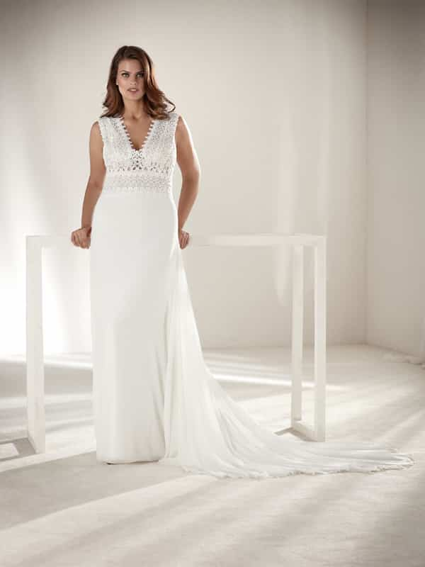 vestido plus size de noiva comum