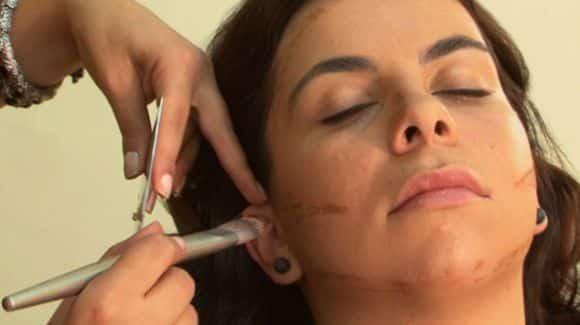 A maquiagem para mulheres gordinhas deve valorizar os traços mais cheinhos, deixando o rosto mais afinado, anguloso e harmonioso (Foto: Divulgação)
