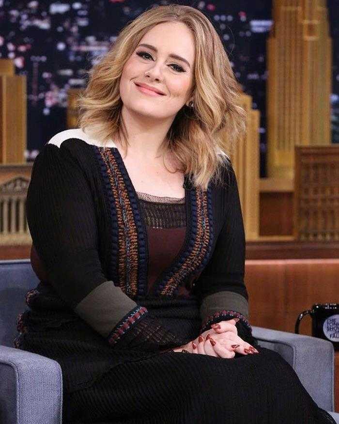 Adele gordinha